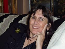 Alfonsina Q Davies